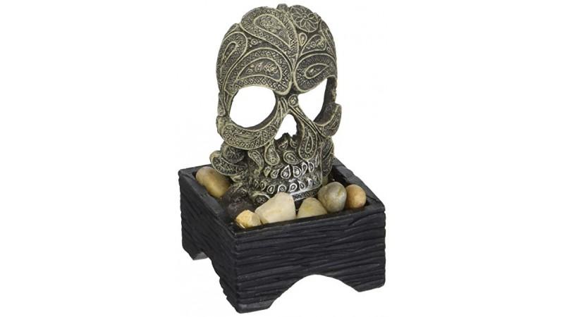 Изкуствена декорация - череп орнамент