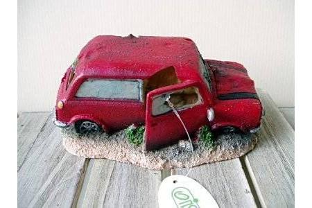 Изкуствена декорация - Червена кола с въздух