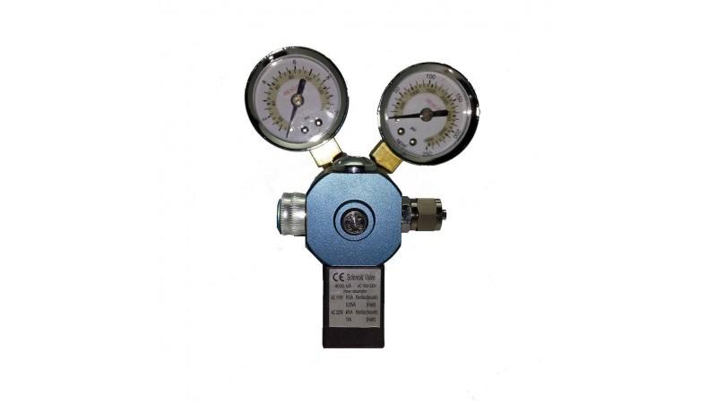 CO2 редуцир с ел. клапан и два манометъра